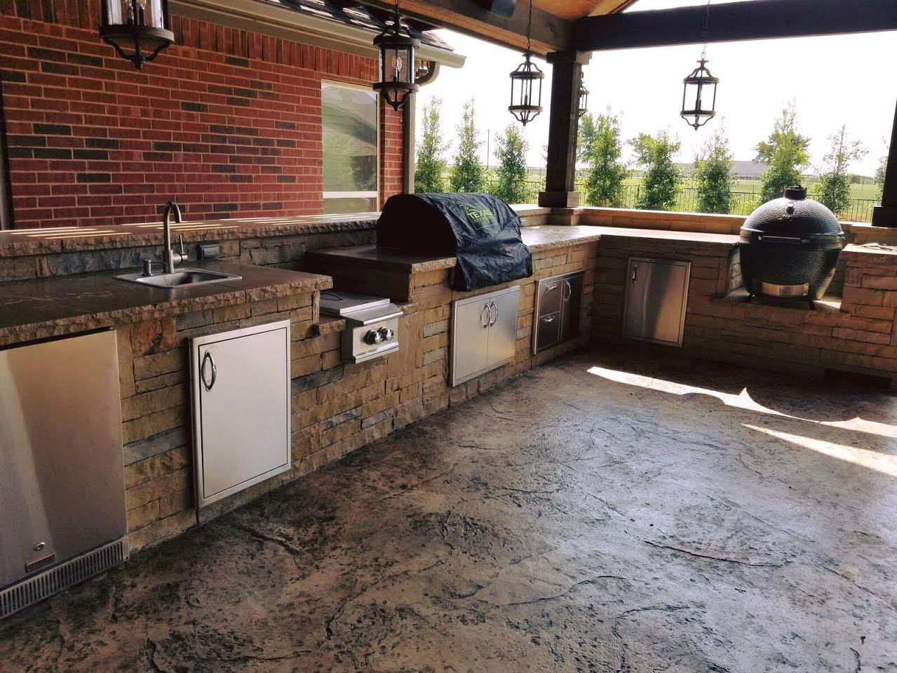 Outdoor Kitchen Finish - Texas Outdoor Oasis