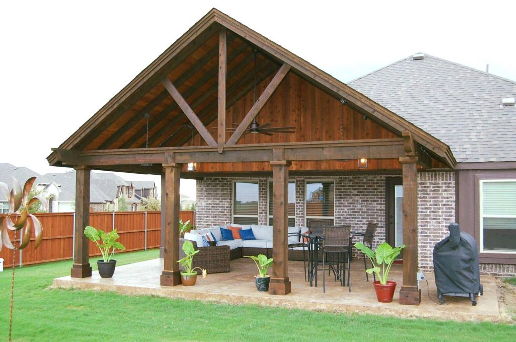 How to Minimize Yard Work and Enjoy Outdoor Living