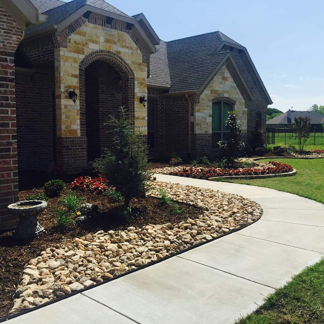 Landscaping Project North Texas: Texas Outdoor Oasis