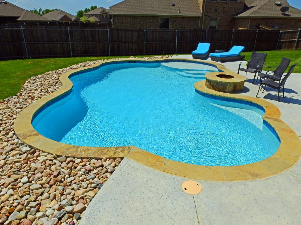 3 Great Reasons To Hire A Professional Pool Builder